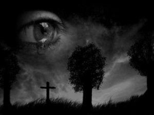 Глаз над кладбищем
